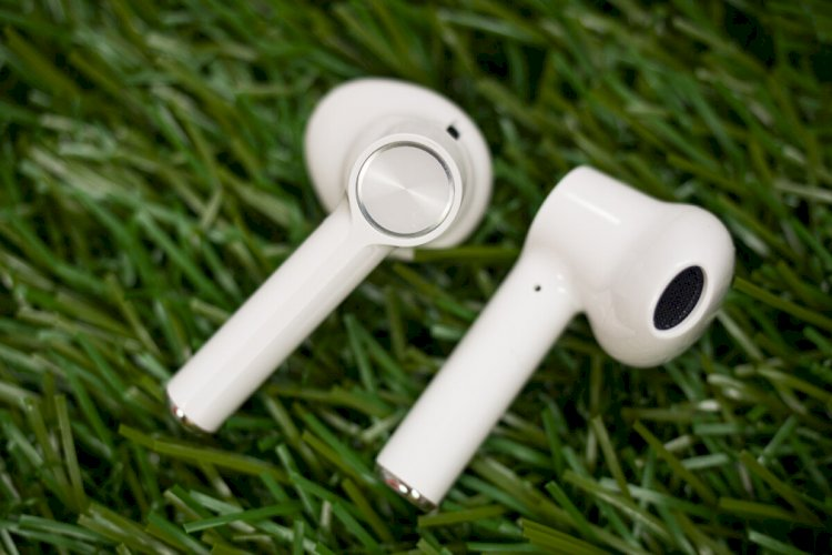 ONEPLUS Buds Review :  Airpods For ONEPLUS Phones
