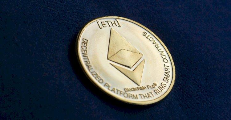Bitcoin's waning dominance stirs warning of crypto froth